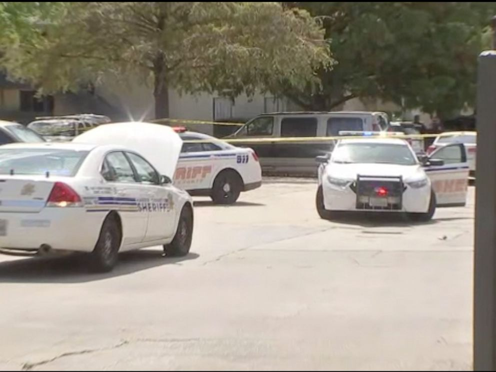 PHOTO: Two adults and a child are dead in possible murder-suicide in Houston, Texas.