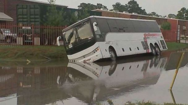 https://s.abcnews.com/images/US/houston-flood-bus-ktrk-mo-20180923_hpMain_16x9_608.jpg