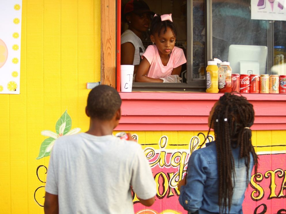 PHOTO: Kyleigh McGee, 7, runs her own mobile food truck in Little Rock, Ark.