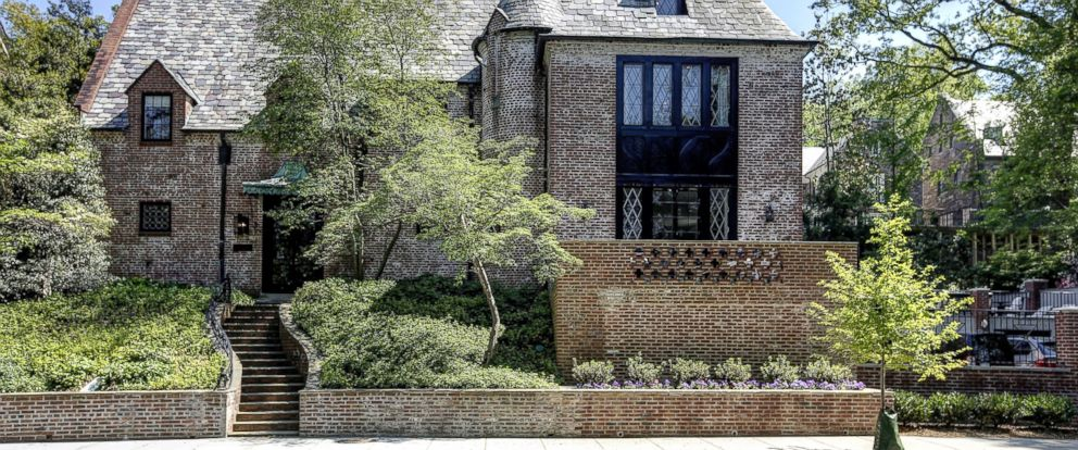 PHOTO: After eight years in the White House, the Obamas are moving to a new house in the Washington D.C. neighborhood of Kalorama.