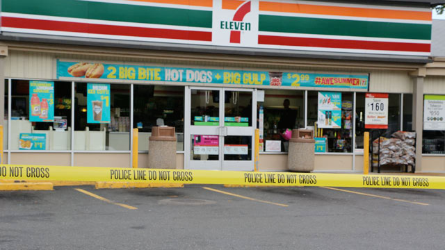 7 eleven reviews compliance by 5 600 franchisees after