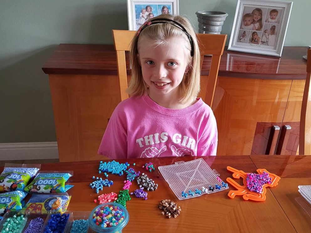 PHOTO: Arianna Nichols, 8, has been hand making crosses out of Perler beads and sending them to police departments across the U.S.