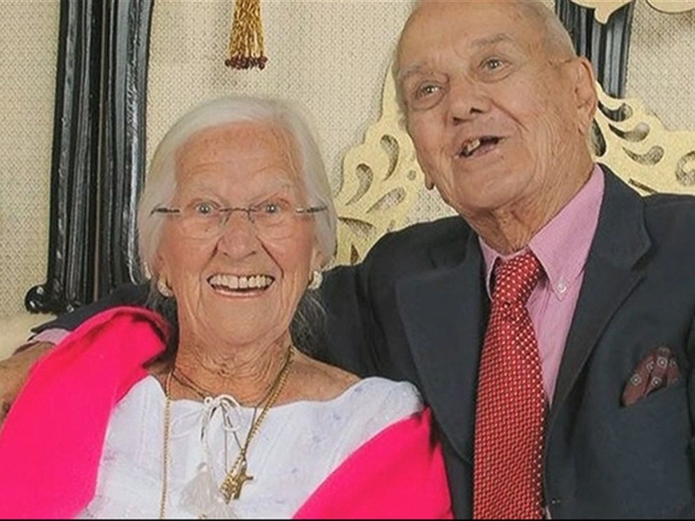 PHOTO: Jeannette and Alexander Toczko celebrated their 75th anniversary together before dying within a day of each other.