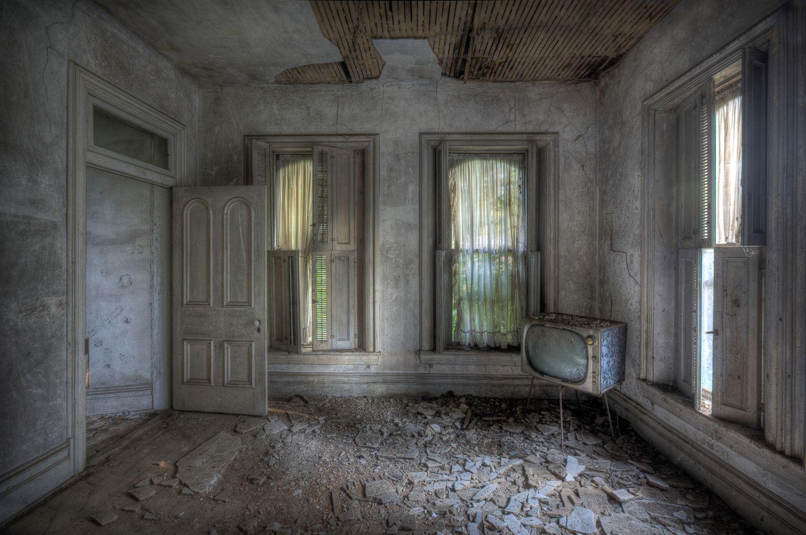 Abandoned America: Everything Left Behind
