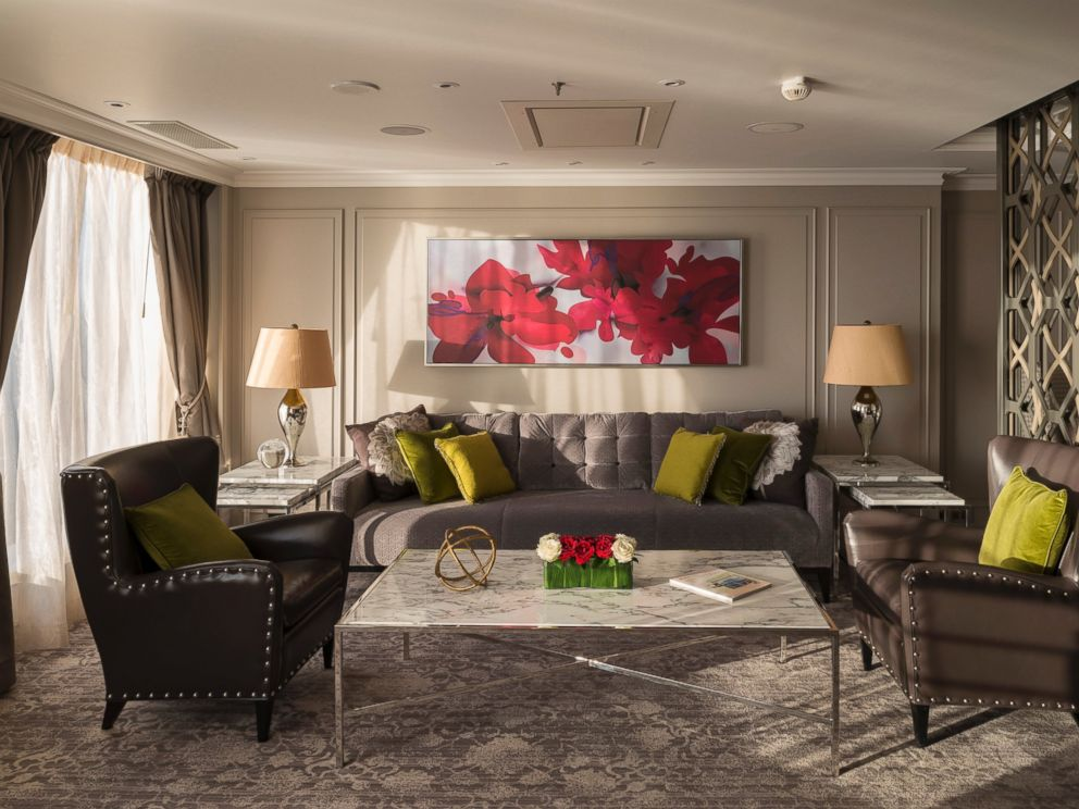 PHOTO: The Crystal Serenitys Crystal Penthouse living room is pictured.