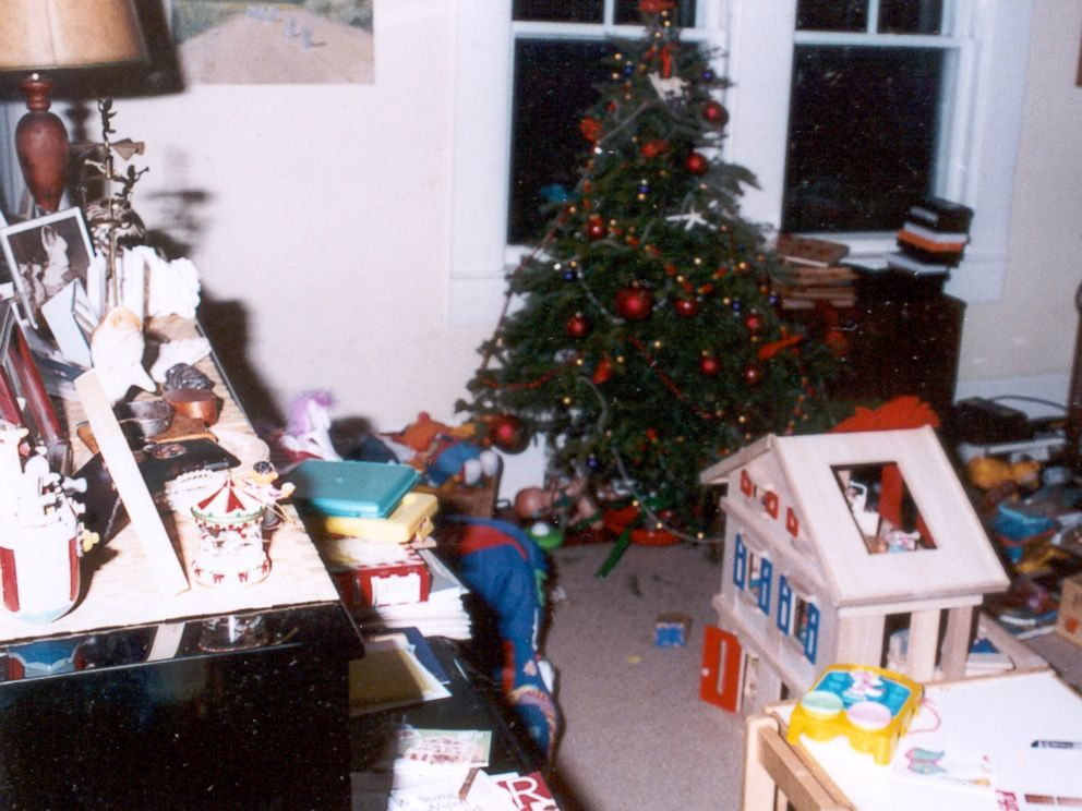 Crime scene photo shows a Christmas tree still up in Christa Worthingtons home.