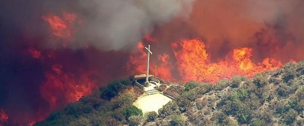 PHOTO: The Blue Cut Fire burns in the San Bernardino National Forest above Devore, California, on Tuesday, Aug. 16, 2016.