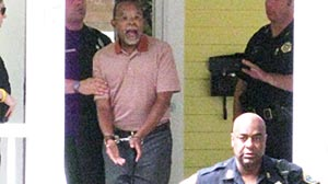 Photo: Prominent Black Scholar Henry Louis Gates, Jr. Sees Charges Dropped: Cops: Incident Was Not Gates Best Moment