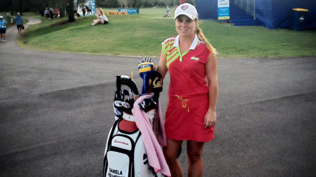 PHOTO: Swedish golfer Daniela Holmqvist was bitten by a poisonous redback spider, but after removing the venom with a golf tee, she completed her round of golf.