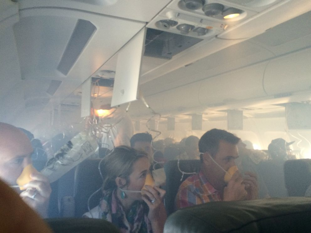 PHOTO: Passengers don oxygen masks during an emergency landing of a Jet Blue flight on Sept. 18, 2014 in Long Beach, Calif. No injuries were reported.