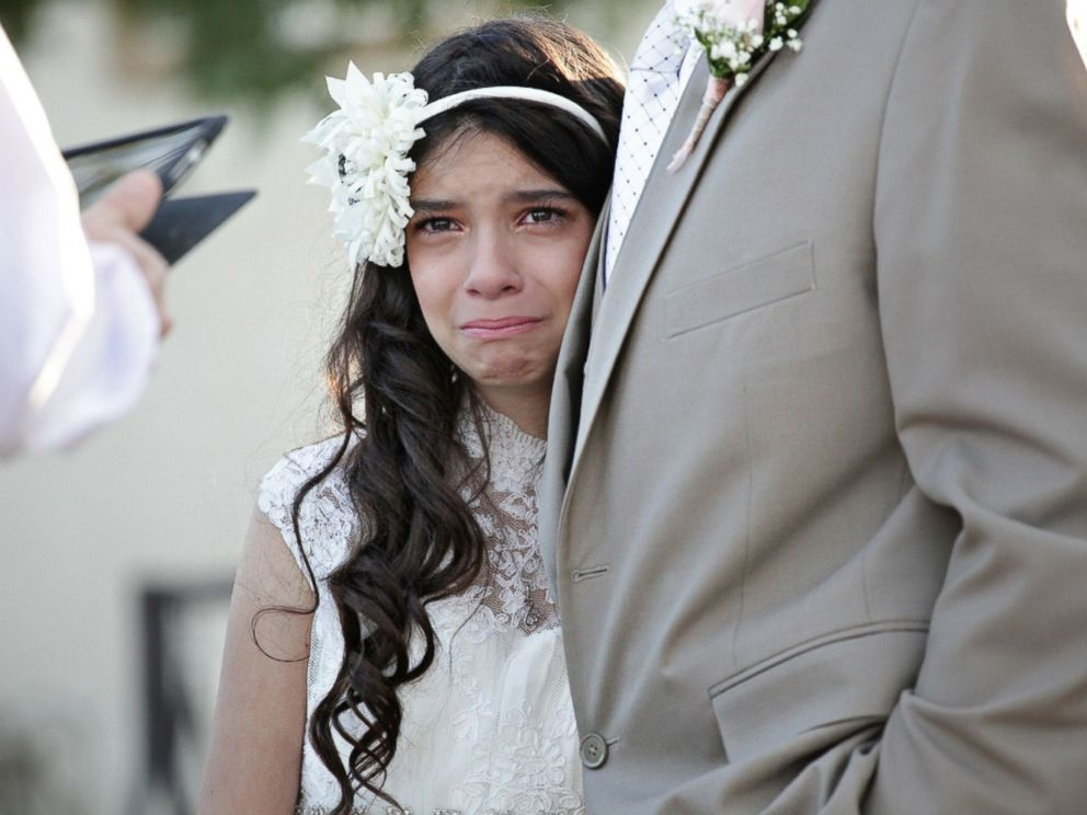 PHOTO Photographer Lindsay Villatoro Staged A Mock Wedding For Jim Zetz And His Daughter