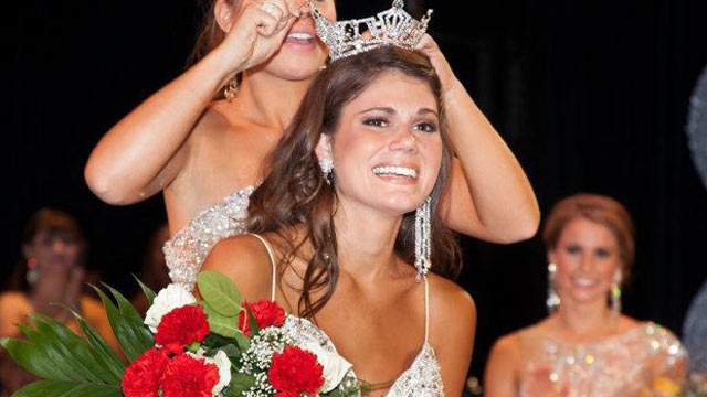 PHOTO: Joanna Guy gets crowned Miss Maryland 2012 in this undated file photo.