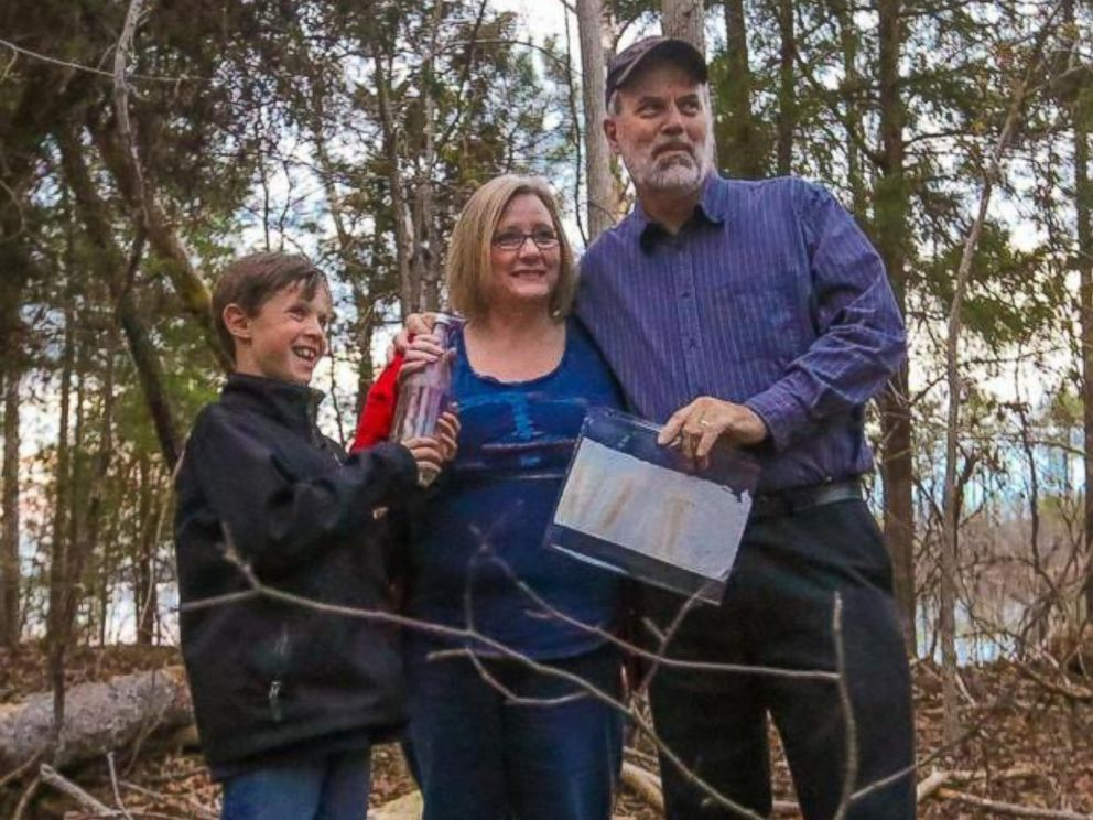 PHOTO: Nolan Rogers, left, found a 45-year-old love letter in a Dr. Pepper bottle. The note was from Diane Bryant, center, when she was a teenager who was pining for her boyfriend, Mike Rogers, right, while at a church camp.