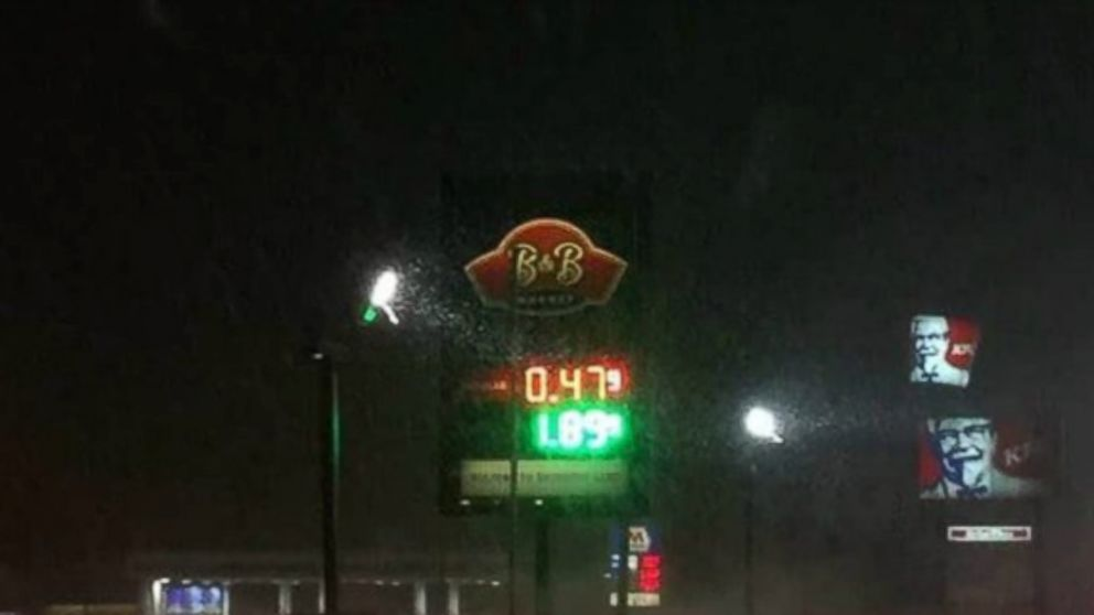 Low Gas Prices >> Gas Price Hits 47 Cents A Gallon In Michigan After Price War Abc News