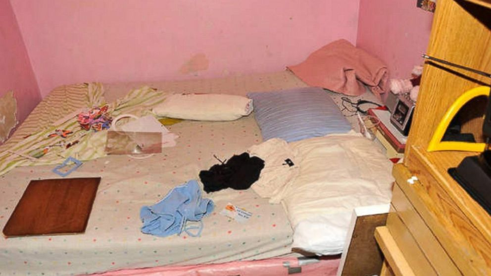 Gina DeJesus and Michelle Knight shared this room in Ariel Castro's house.