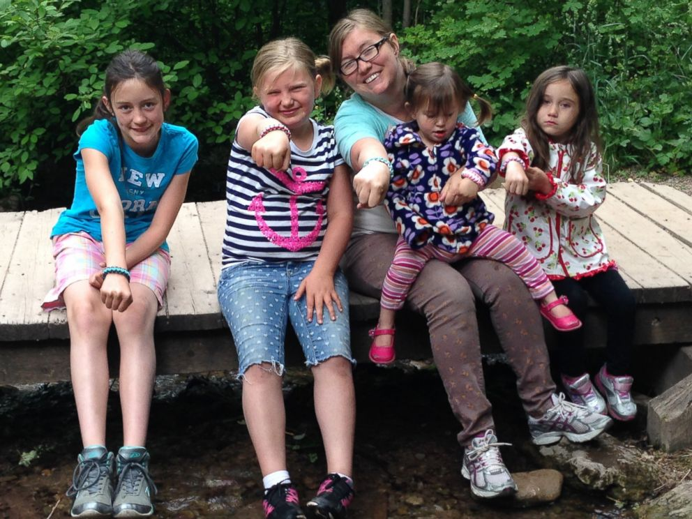 PHOTO: Utah mom Carly Kerby with her four daughters in June 2014.