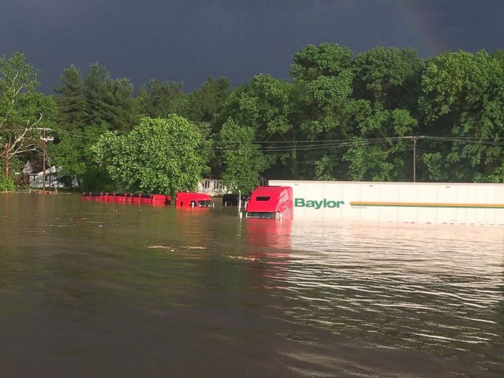 PHOTO: Flash flooding in Salem, Indiana, on May 19, 2017.