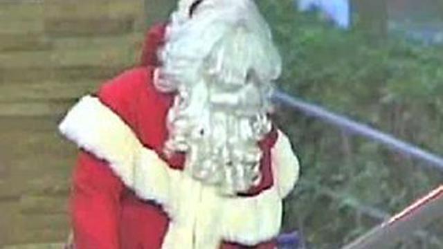 PHOTO: Man dressed as Santa Claus