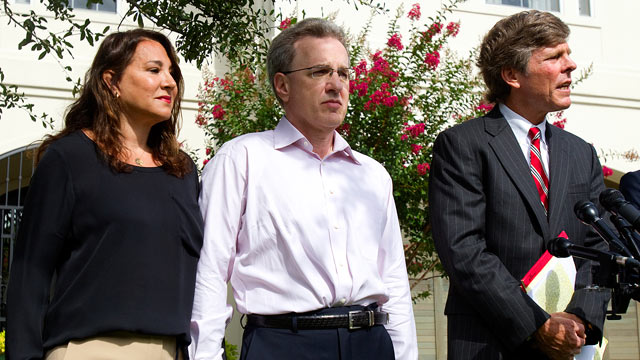 PHOTO: Yvonne Stern, left, stands with her husband Jeffrey Stern, center, and his attorney, Paul Nugent during a press conference at their home in Houston, Texas, June 12, 2012.