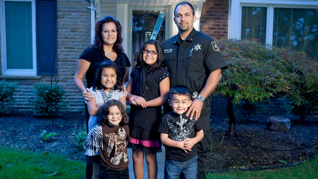 """PHOTO: The Jaafar family fatured on TLCs """"All-American Muslims."""""""