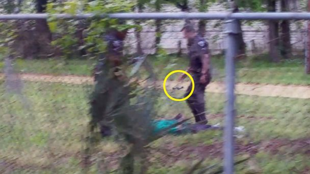 https://s.abcnews.com/images/US/ht_walter_scott_shooting_video_new_01_jc_150409_16x9_608.jpg