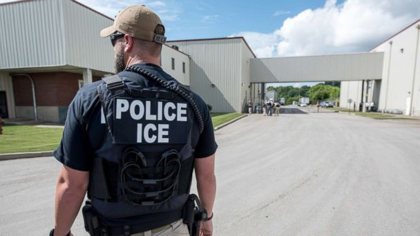 Despite Trump push, number of undocumented immigrants removed by ICE up only slightly