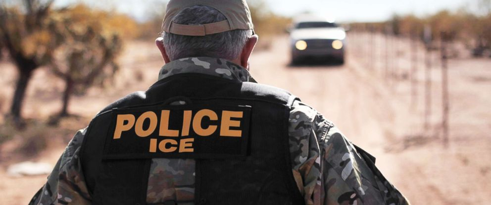 PHOTO: An agent of U.S. Immigration and Customs Enforcement agency is pictured on Jan. 18, 2011, in the Tohono Oodham Nation, Ariz.