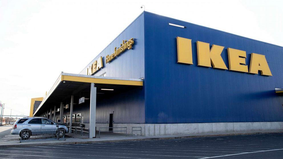 Ikea untuk membayar $46 juta penyelesaian setelah lemari tewaskan 2 tahun
