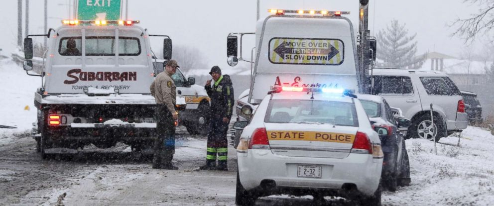 PHOTO: Illinois State Police respond to a multi-vehicle accident in Palatine, Ill. as a snow storm moved through the suburbs of Chicago, Jan. 15, 2018.