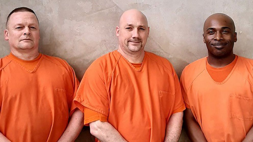 3 inmates save deputy after he loses consciousness, splits head open in fall thumbnail