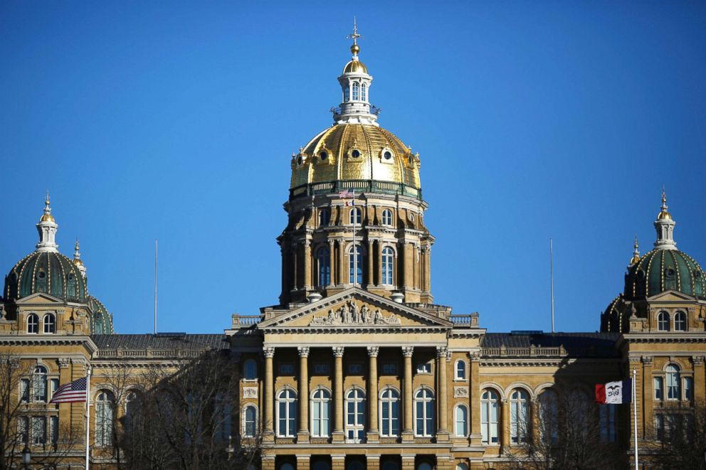 PHOTO: The Iowa State Capitol Building stands in Des Moines, Iowa, Jan. 29, 2016.