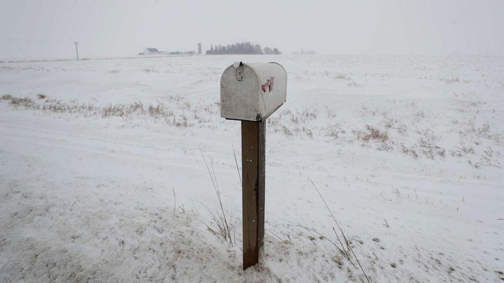大きな嵐システムの移動全国の雪氷雨