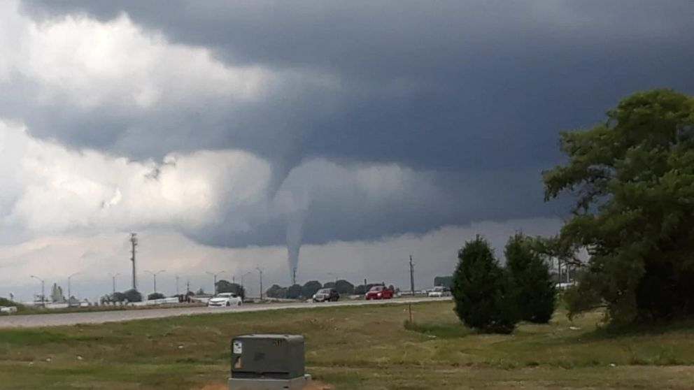 Tornadoes tear through central Iowa