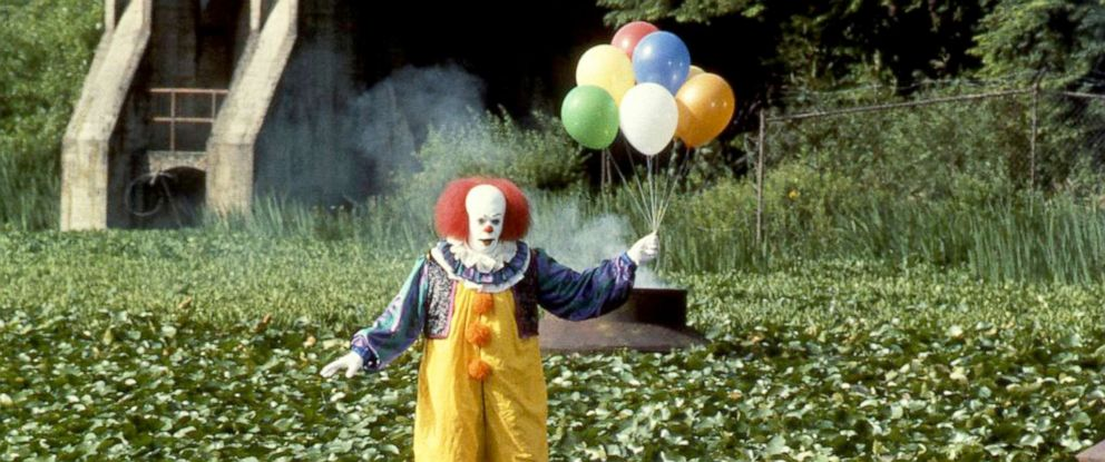 """PHOTO: Tim Curry, as Pennywise, in a scene from the made-for-television movie, """"It."""""""