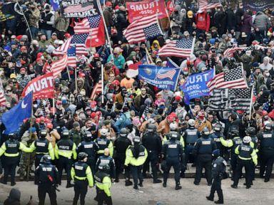 Inspektur secara keseluruhan mengecam kesiapan Polisi Capitol untuk kerusuhan thumbnail
