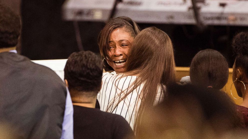 LaPorsha Washington, the mother of Jazmine Barnes, cries by her daughter's casket during a memorial service on Jan. 8, 2019, at the Community of Faith Church in Houston.