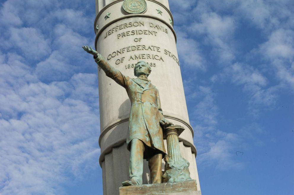 PHOTO: A statue of Confederate President Jefferson Davis towers over Monument Avenue, Sept. 15, 2017, in Richmond, Va.