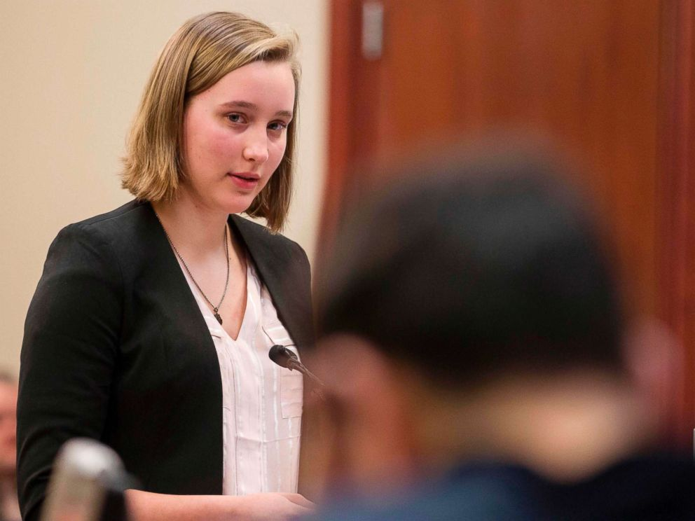 PHOTO: Jessica Thomashow gives her victim impact statement during a sentencing hearing in Lansing, Mich., Jan. 16, 2018.