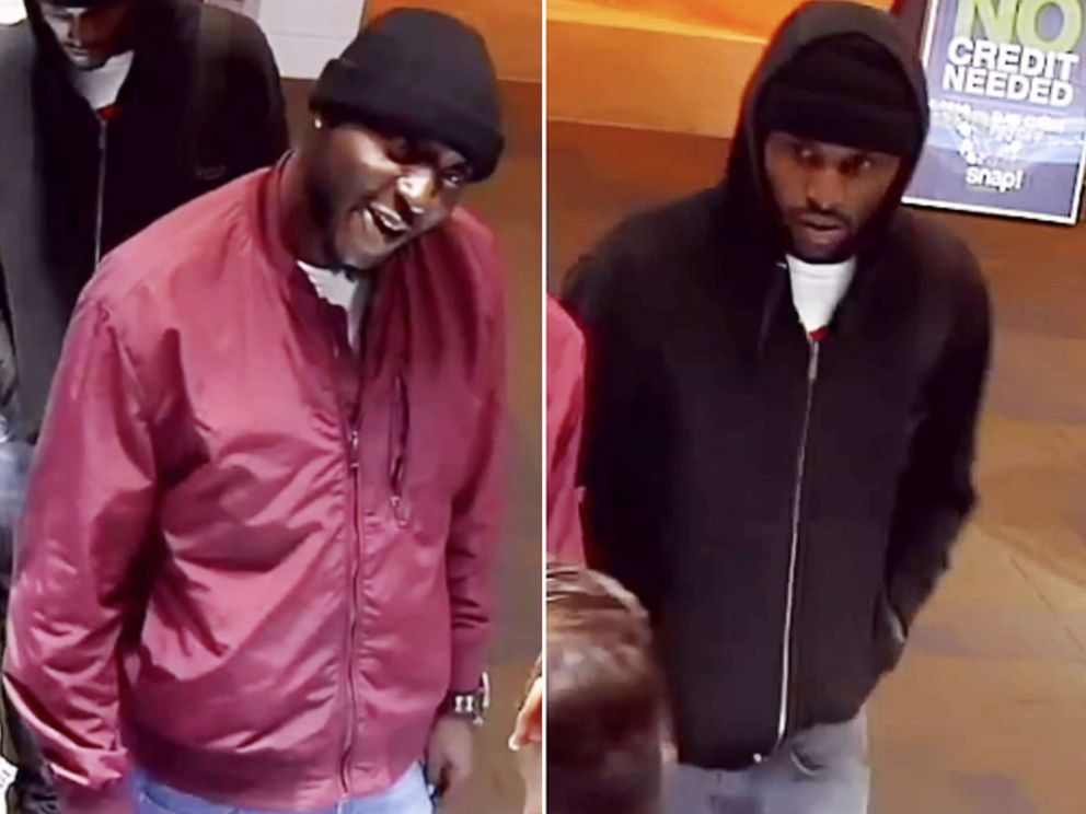 PHOTO: Two men allegedly stole $200k worth of diamond rings from Crescent Jewelers inside the Sugarloaf Mills Mall in Lawrenceville, Ga.