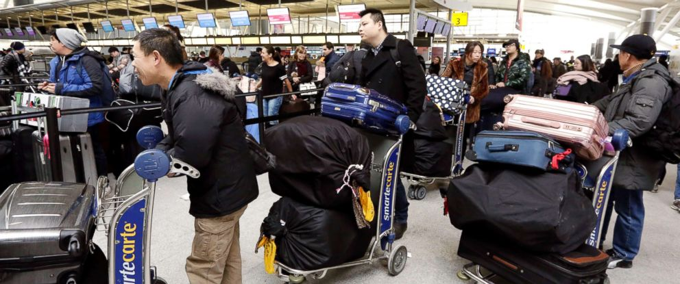 PHOTO: Passengers at New Yorks John F. Kennedy Airport Terminal 4 wait for flights, Jan. 8, 2018.