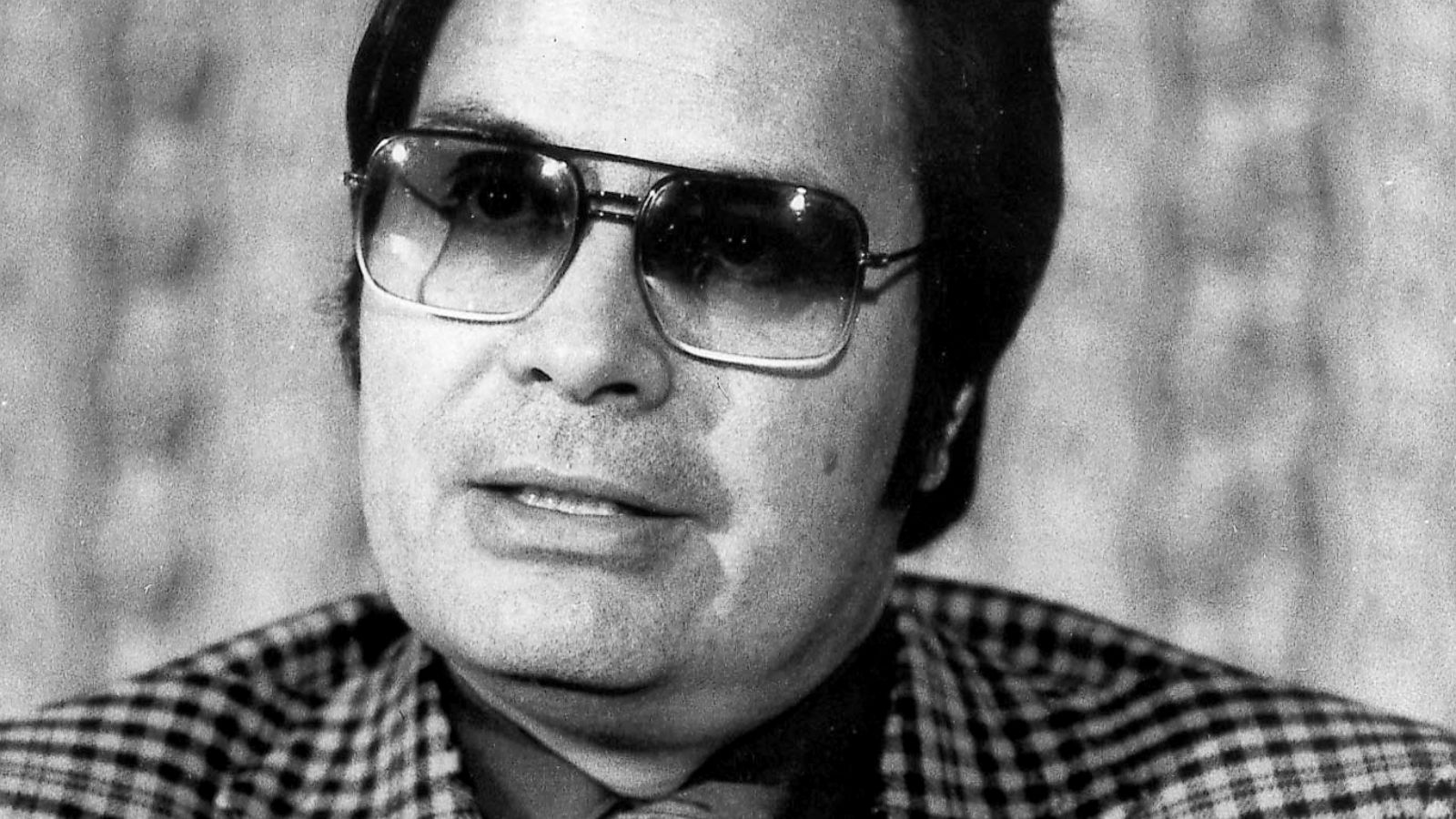 40 years after Jonestown massacre, ex-members describe Jim Jones as a 'real  monster' - ABC News