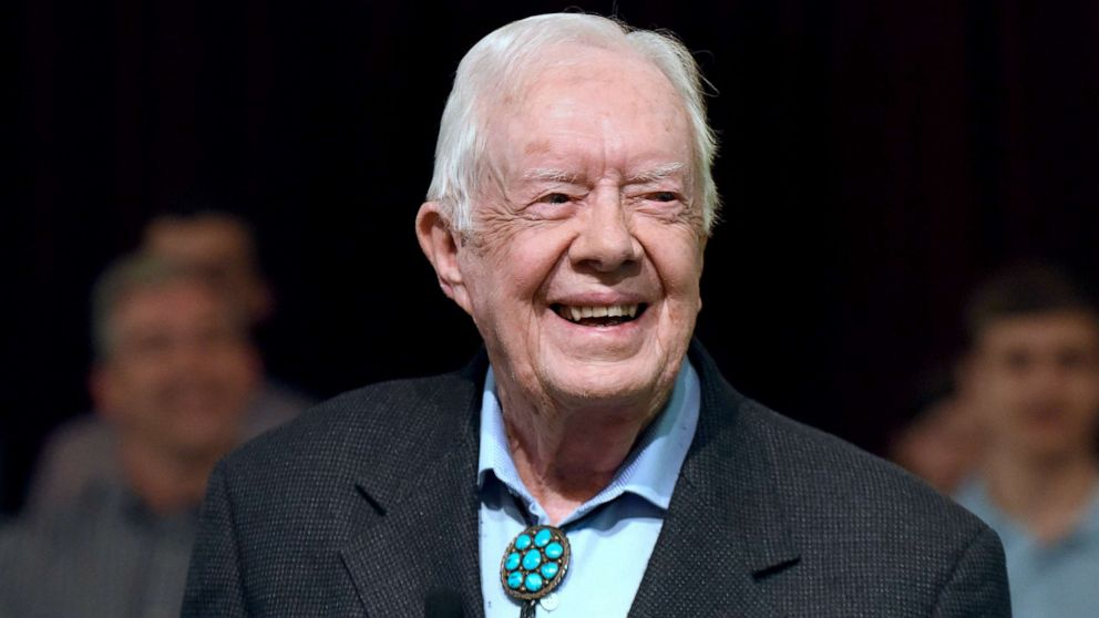 Former President Jimmy Carter undergoes surgery after breaking hip thumbnail