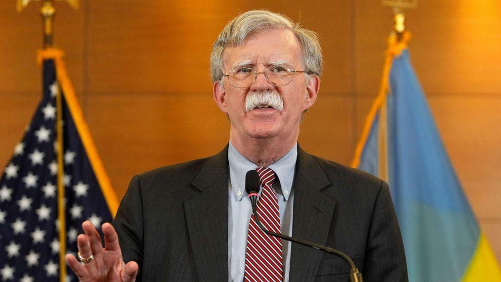 'Hier starten': Trump verdrängt Bolton und Russland treibt Berichte zu angeblichen CIA-Spion