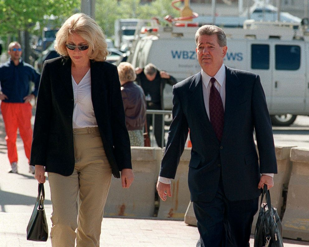 PHOTO: Former FBI agent John Connolly and wife Liz arrivie for trial at Moakley Courthouse in Boston, May 22, 2014.
