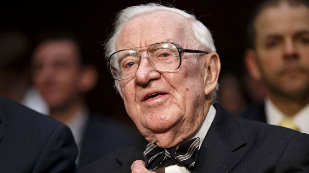 Retired Supreme Court Justice John Paul Stevens dead at 99 thumbnail
