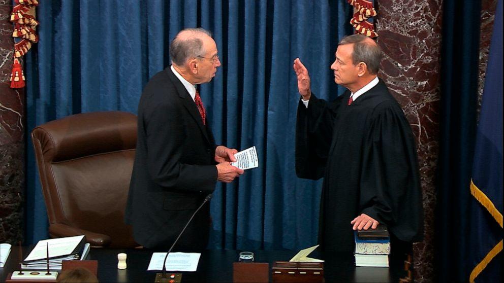 'ここでは':New evidence燃料通話のための証人に上院impeachment試験