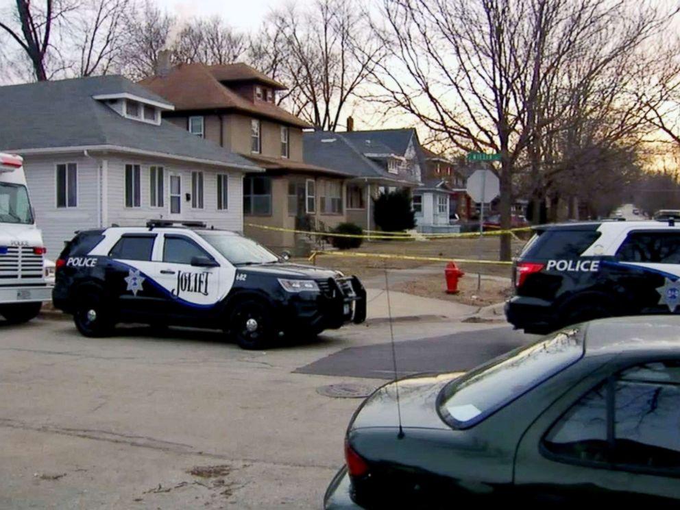 PHOTO: Four dead in apparent murder-suicide in Joliet, Ill.