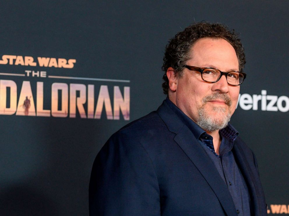Star Wars: Jon Favreau Can't Believe The Mandalorian Surprise Character Wasn't Leaked
