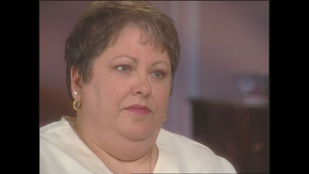 """PHOTO: Lisa Stasi's aunt Karen Moore told ABC News in a 2000 interview that remembered Stasi had """"a fight with Carl"""" around Christmas 1984, and """"Carl had hit her and she didn't know what to do or where to go. So I took her to the Hope House."""""""