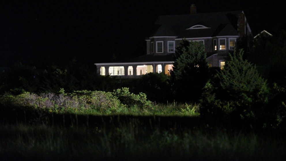 Saoirse Kennedy Hill, granddaughter of Robert F. Kennedy ... on cape cod houses, hyannis houses, united states houses,